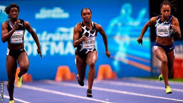 Dina Asher Smith balapan