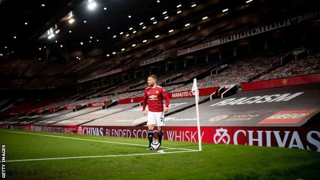 Sarung kursi telah diganti untuk kemenangan kandang terbaru United melawan Brighton