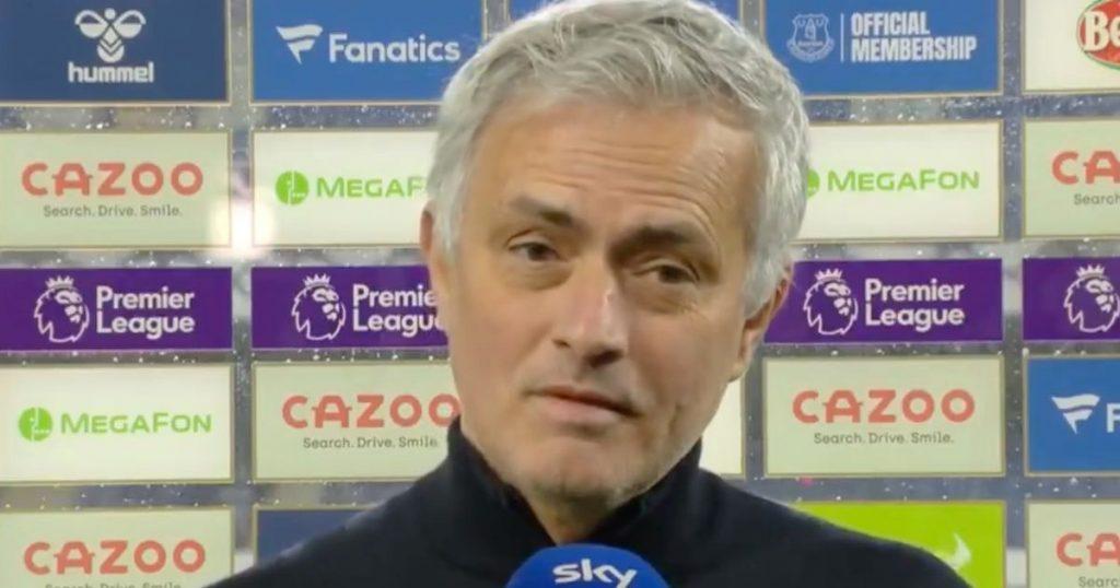 Jose Mourinho menanggapi serangan keras Paul Pogba terhadap mantan manajer Manchester United itu