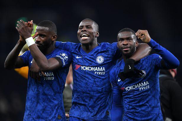 Antonio Rudiger, Kurt Zuma dan Vicayo Tomori dari Chelsea merayakan pertandingan Liga Premier antara Tottenham Hotspur dan Chelsea di Stadion Tottenham Hotspur pada 22 Desember 2019 di London, Inggris Raya.