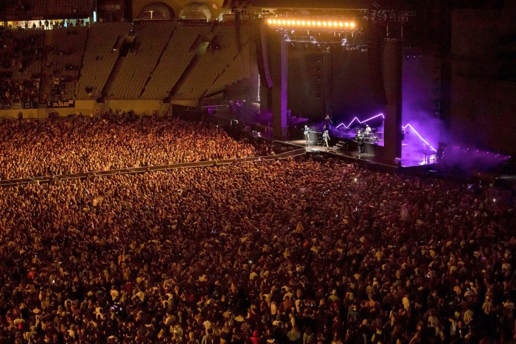 50.000 orang menghadiri konser di Selandia Baru yang bebas COVID