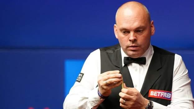 Kejuaraan Dunia Snooker: Stuart Bingham berjuang untuk memimpin Mark Selby, dengan Wilson Murphy sebagai ketua