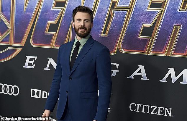 CAPTAIN SAMA: Evans, yang memasang tamengnya sebagai Captain America di Avengers: Endgame 2019, genap berusia 40 tahun pada hari Minggu.